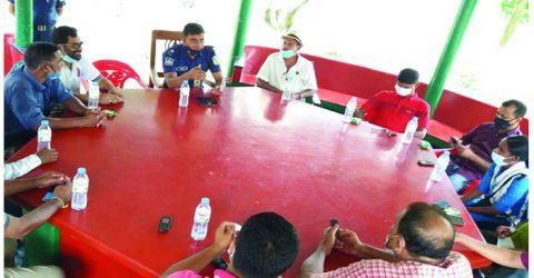 """কলমাকান্দায় সাংবাদিকদের সঙ্গে নবাগত """"ওসি""""র মতবিনিময়"""